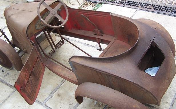 restauration en cours voiture p dales com. Black Bedroom Furniture Sets. Home Design Ideas