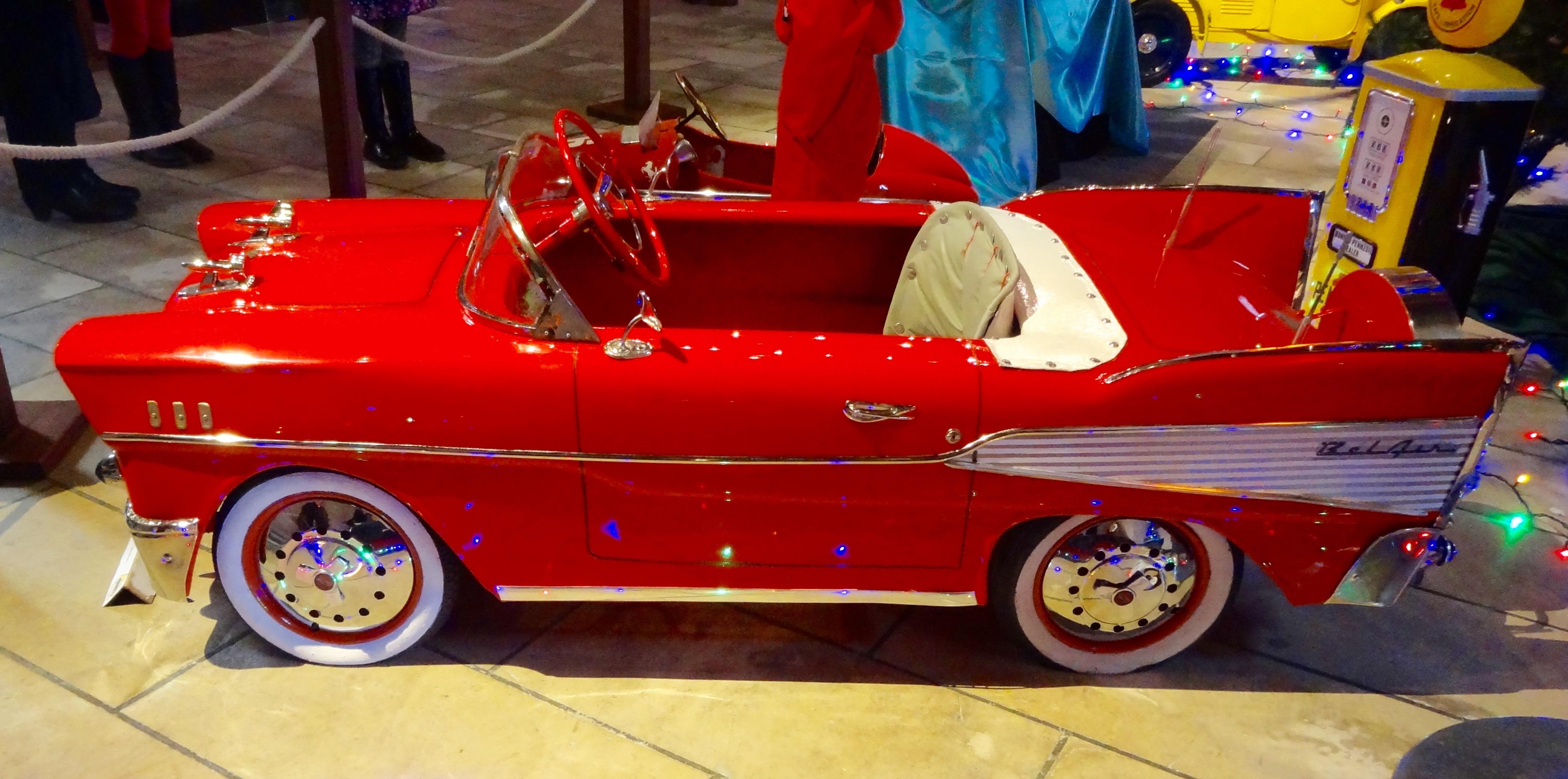 photos de voitures pedales anciennes l 39 univers des voitures p dales et moteur pour enfants. Black Bedroom Furniture Sets. Home Design Ideas