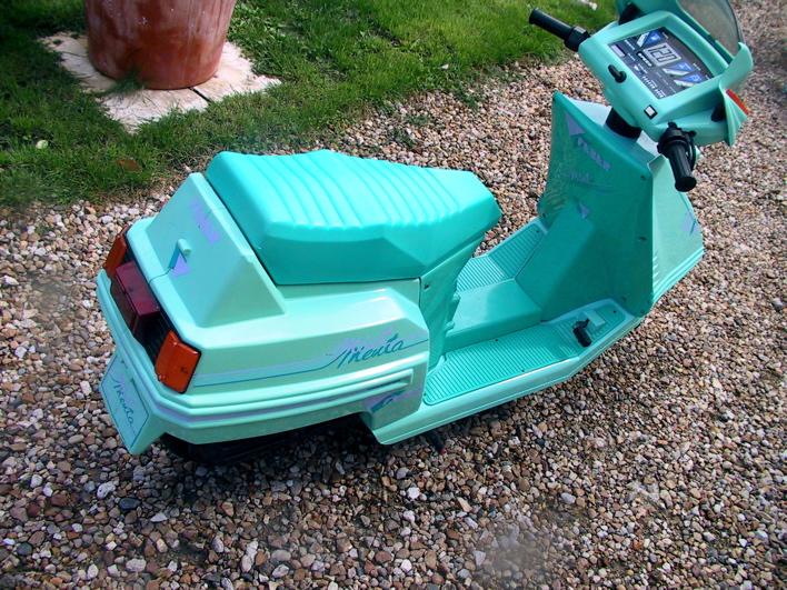 scooter feber mint 2 places moteur lectrique ann es 80 honda spacy voiture p dales com. Black Bedroom Furniture Sets. Home Design Ideas